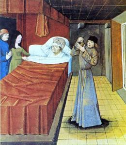 Médico examinando la orina de un paciente.